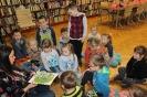 Lew, gniotki i książka artystyczna w bibliotece