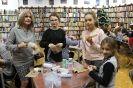 """Rodzinne warsztaty plastyczne """"Fabryka ozdób świątecznych"""" 5,13-14.12.2017 r."""
