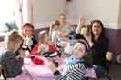 """Rodzinne warsztaty plastyczne """"Fabryka pisanek"""" w Wapnicy 04.04.2017 r."""