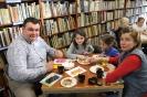 """""""Wielkanocne opowieści"""", czyli promocja książki międzyzdrojskich autorek 27.03.2018 r."""