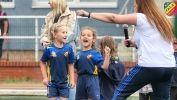 Współpraca międzyzdrojskiej Biblioteki i Klubu Sportowego Fala podczas zakończenia sezonu piłkarskiego najmłodszych